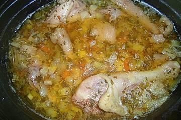 Hühnersuppe aus dem Slow Cooker