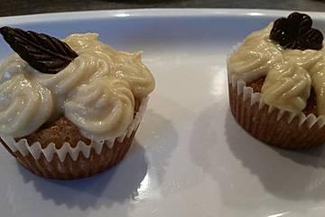 Bananen-Cupcakes mit Zimt-Frischkäse-Frosting