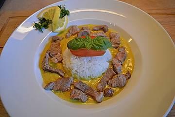 Currygeschnetzeltes mit Mandelreis
