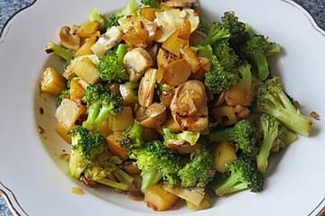 Kartoffel-Brokkoli-Pilzpfanne