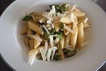 Spargel-Pasta mit feinem Orangenaroma