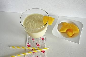 Ananas-Smoothie mit Buttermilch
