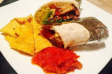 Burrito mit Hähnchen und Tomate