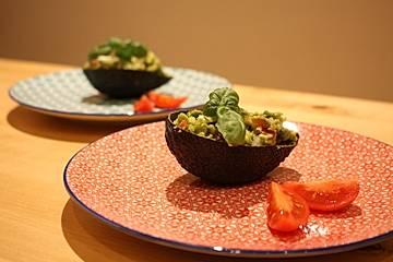 Gefüllte Avocado Low Carb