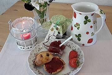 Erdbeer-Rhabarber-Marmelade mit Cassis