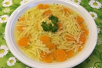 Nudel-Karotten-Suppe