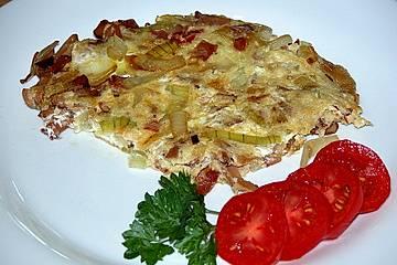 Omelette mit Zwiebeln und Speck