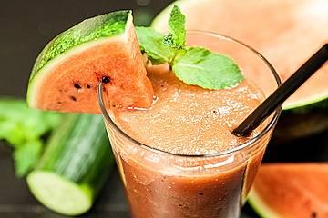 Erfrischender Wassermelonen-Gurken Slushy / Smoothie