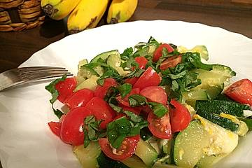 Zucchinipfanne Low Carb