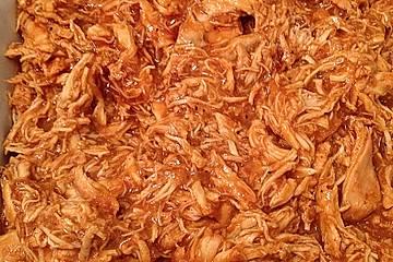 Pulled Chicken im Focaccia-Brötchen