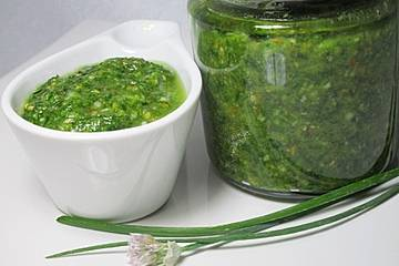 Schnittlauch-Pesto