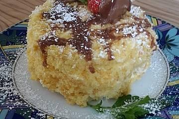 Biskuittörtchen mit Milchmädchen-Buttercreme