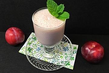 Zwetschgen-Vanilleeis-Smoothie