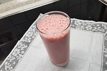Dreifrucht-Soja-Drink