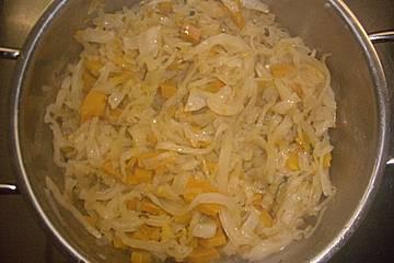 Weißkohl-Kürbis-Gemüse