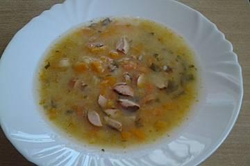 Möhren Kartoffelsuppe mit Würstchen