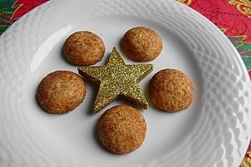 Weihnachtliche Zimt-Keksbällchen