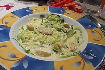 Kräuterseitlinge mit Zucchini-Spaghetti