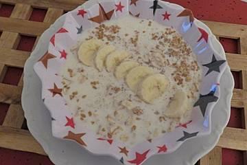 Frühstücksbrei mit Leinsamen