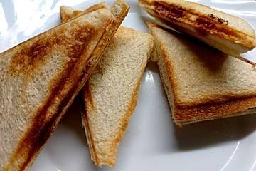 Herzhafte Sandwiches aus dem Sandwichmaker
