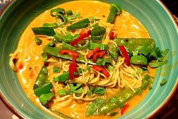 Schnelle Thai-Curry-Glasnudelsuppe