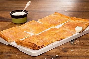 Blätterteig-Tarte mit Apfel und Birne