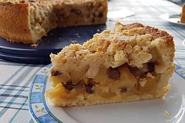 Gedeckter Apfelkuchen mit Streuseln