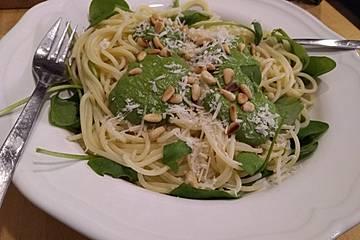 Spaghetti mit Portulak-Pesto