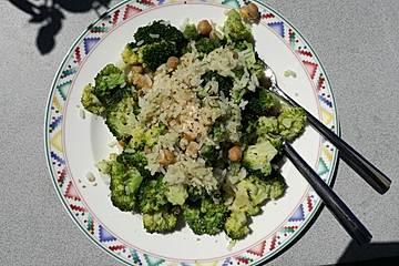 Brokkoli-Erdnuss-Reis
