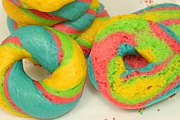 Rainbow Bagel, Food-Trend aus New York