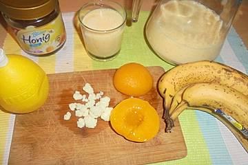 Bananen-Pfirsich-Kefir