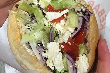 Döner Kebab mit Füllung und Soßen