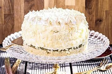 Low-Carb Rhabarber-Baiser-Torte