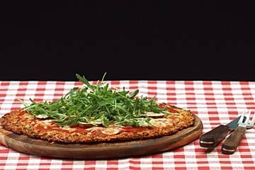 Low Carb Pizzaboden aus Zucchini