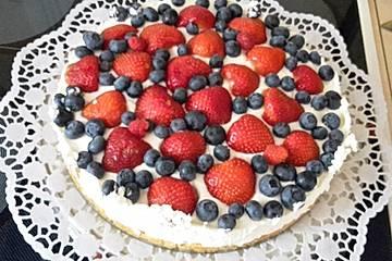 Beeren-Frischkäse-Torte à la Dani