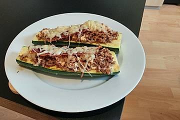 Überbackene Zucchini mit Hackfleisch und Schafskäse