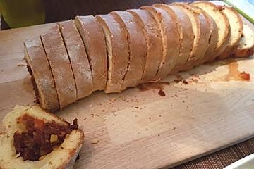 Quark-Brot mit Gemüsefüllung