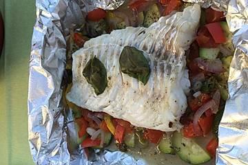 Mediterranes Fischfilet-Päckchen