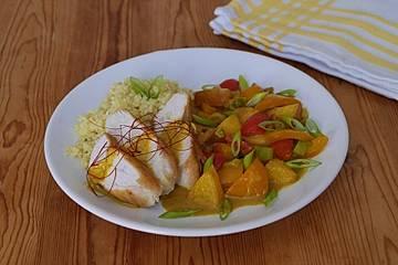 Gebratenes Hühnerfilet auf Paprika-Nektarinen Ragout