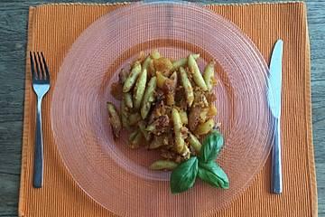 Schupfnudelpfanne mit Apfel und Karotte