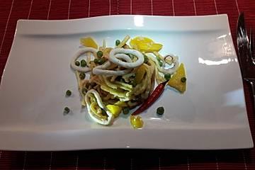 Spaghetti mit Calamari in Kräuteröl