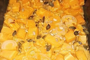 Butternusskürbis mit Zwiebeln in Kokosmilch