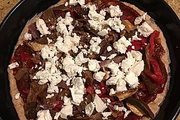 Dinkelpizza mit Steinpilzen