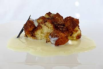 Brioche-and-Butter-Pudding mit Zimtkruste