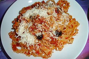 Scharfe Pastasauce mit Nduja und Tomate