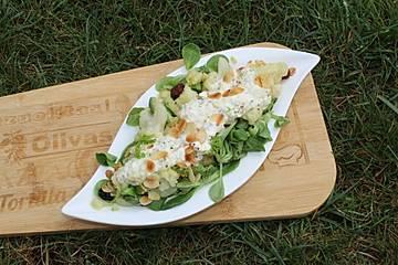 Feldsalat mit gebratenem Blumenkohl und Joghurt-Senf-Dressing