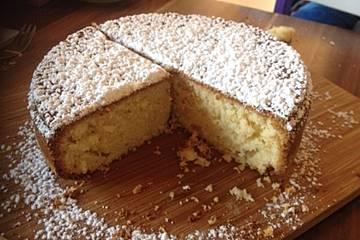 Weißer Mandel Sandkuchen