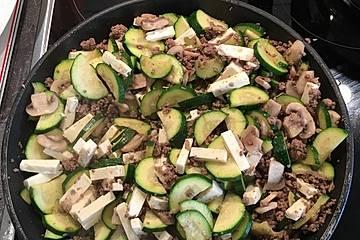 Zucchini-Hack-Pfanne mit Feta