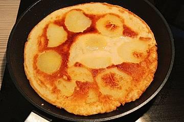 Dinkel-Kichererbsen-Pfannkuchen mit Kartoffeln