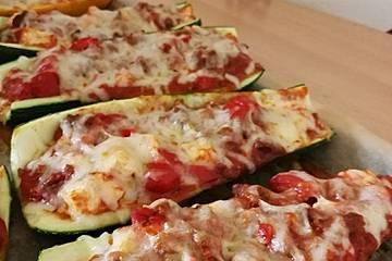 Zucchini mit hackfleischfüllung